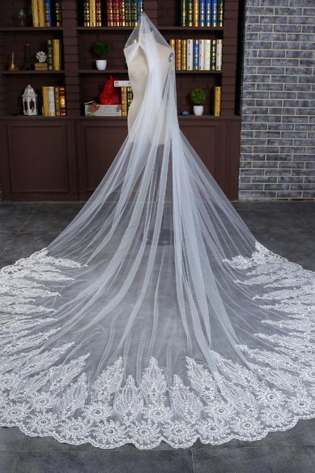 Elegant Lace Edge 4 Meters White Cathedral Wedding Veil With Comb